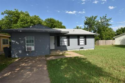 209 N COLBERT AVE, Sherman, TX 75090 - Photo 2