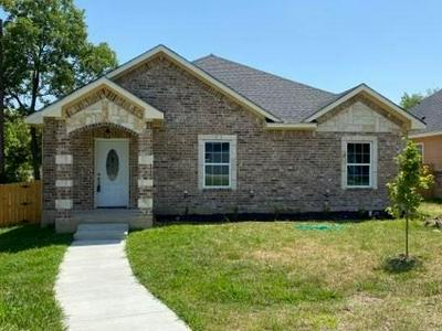 1510 DAFFAN AVE, Ennis, TX 75119 - Photo 1