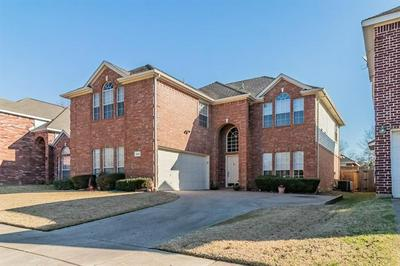 3648 BLUE SPRUCE DR, Fort Worth, TX 76040 - Photo 2