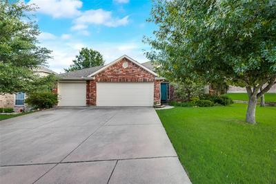 2126 LORRIE LN, Weatherford, TX 76087 - Photo 2
