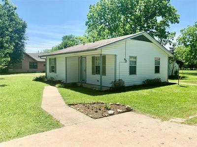 203 W BRAZOS, Wortham, TX 76693 - Photo 2