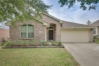 10649 HIGHLAND RIDGE RD, Fort Worth, TX 76108 - Photo 1