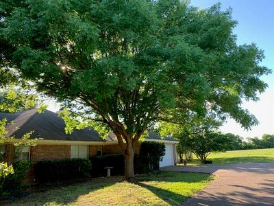 1305 ALFORD DR, Hillsboro, TX 76645 - Photo 2