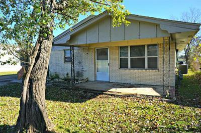504 DEPOT ST, Whitesboro, TX 76273 - Photo 2