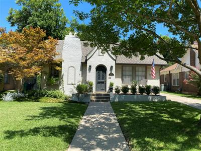 2525 SHIRLEY AVE, Fort Worth, TX 76109 - Photo 2