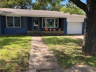 607 S AVENUE G, Clifton, TX 76634 - Photo 1