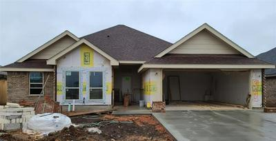308 CARRIAGE HILLS PKWY, Abilene, TX 79602 - Photo 1