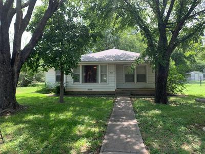 908 15TH ST, Bridgeport, TX 76426 - Photo 1