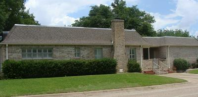 301 N AVENUE M, Clifton, TX 76634 - Photo 2