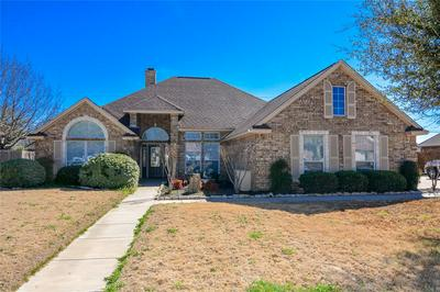 720 MAPLEWOOD DR, STEPHENVILLE, TX 76401 - Photo 1