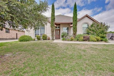 3124 EASTCREST CT, Fort Worth, TX 76105 - Photo 1