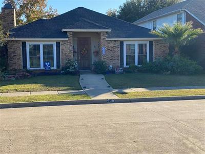 406 BARTON DR, Mesquite, TX 75149 - Photo 1