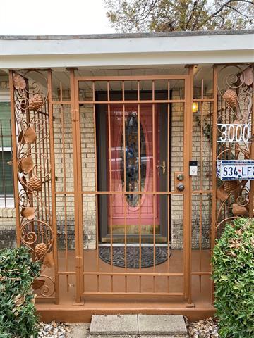 3000 PRIMROSE AVE, Fort Worth, TX 76111 - Photo 2