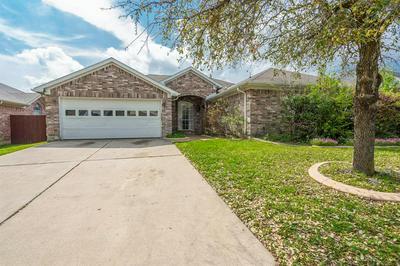 7302 FOSSIL HILL DR, ARLINGTON, TX 76002 - Photo 2