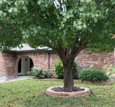103 HIDALGO LN, Arlington, TX 76014 - Photo 1