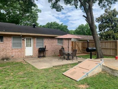 314 HILLSIDE DR, Gainesville, TX 76240 - Photo 2