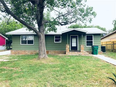 703 W GRAND AVE, Comanche, TX 76442 - Photo 1