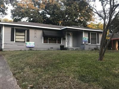 208 HURSTVIEW DR, Hurst, TX 76053 - Photo 1