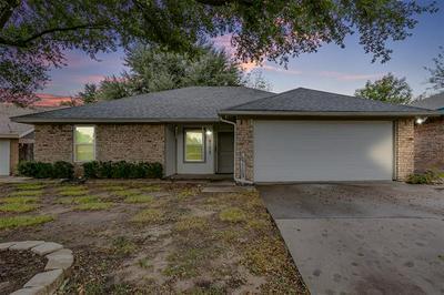108 LOCHNESS CIR, Weatherford, TX 76086 - Photo 1