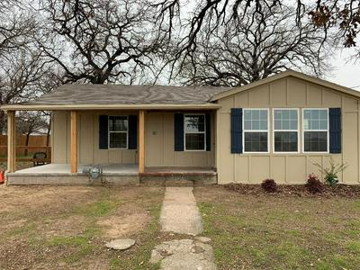 402 N MOUNT ST, CHICO, TX 76431 - Photo 2