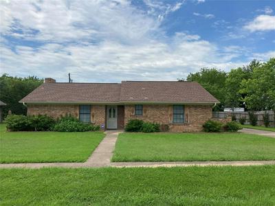 403 N TAYLOR ST, Mabank, TX 75147 - Photo 1