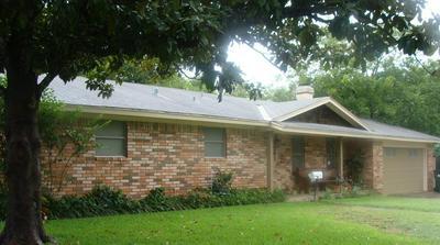 807 S AVENUE N, Clifton, TX 76634 - Photo 1