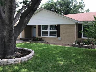 3705 PARK RIDGE BLVD, Fort Worth, TX 76109 - Photo 1
