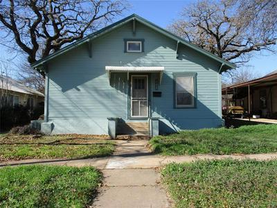 302 N OAK ST, Eastland, TX 76448 - Photo 1