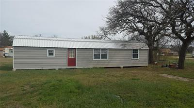203 N OAK ST, EASTLAND, TX 76448 - Photo 2