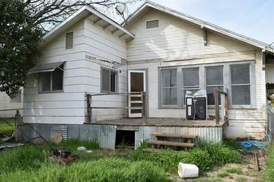907 WALLIS AVE, SANTA ANNA, TX 76878 - Photo 2
