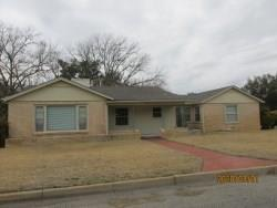 1031 W 11TH ST, BRADY, TX 76825 - Photo 2