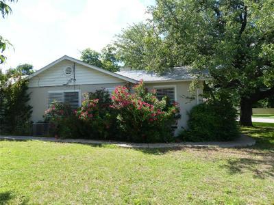 601 W 17TH ST, Brady, TX 76825 - Photo 2