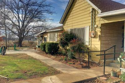 303 W ROBERTS ST, Bryson, TX 76427 - Photo 2