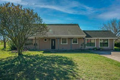 1150 COUNTRY LN, Oak Ridge, TX 75142 - Photo 1