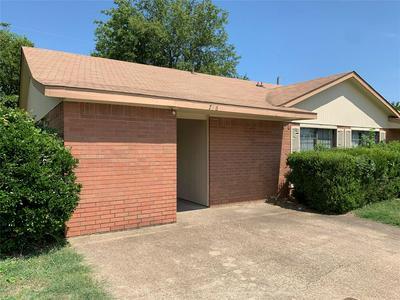 718 HILLCREST CT, Cedar Hill, TX 75104 - Photo 2