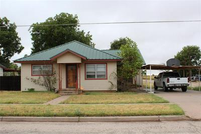 841 N 3RD AVE, Munday, TX 76371 - Photo 1