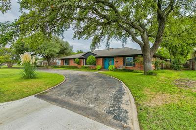 202 MOCKINGBIRD LN, Weatherford, TX 76086 - Photo 1