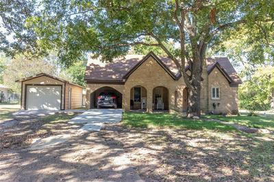 412 S AUSTIN ST, EDGEWOOD, TX 75117 - Photo 1