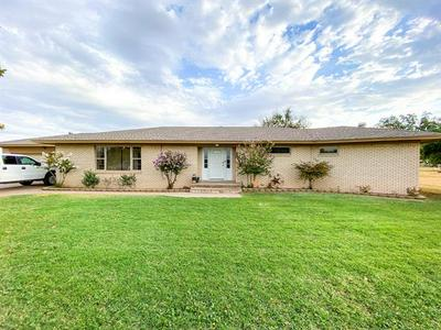 808 N 16TH ST, Haskell, TX 79521 - Photo 2