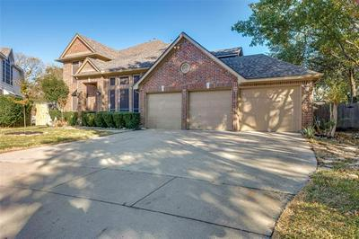 5703 CHAMPION CT, Arlington, TX 76017 - Photo 1
