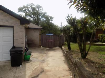 637 OAK VIEW CT, Azle, TX 76020 - Photo 2