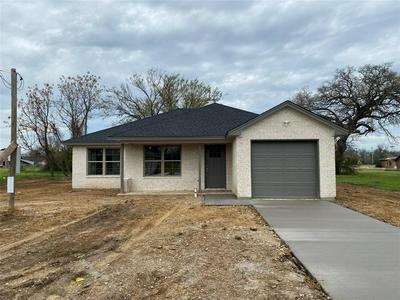 303 PEACOCK ST, Cleburne, TX 76031 - Photo 1