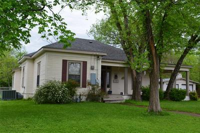 902 N GAINES ST, ENNIS, TX 75119 - Photo 2