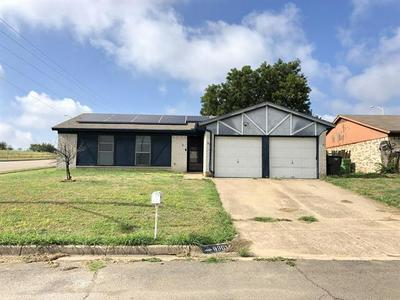 9901 ALEMEDA CT, Fort Worth, TX 76108 - Photo 1