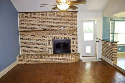 1400 PEGGY LN, Kennedale, TX 76060 - Photo 2