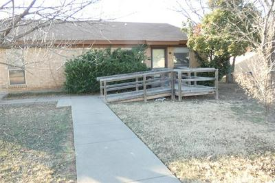 742 REDBIRD LN, Abilene, TX 79605 - Photo 2