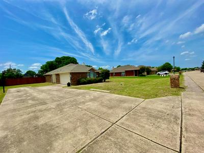 2801 STONEY HOLLOW LN, Rockwall, TX 75087 - Photo 2