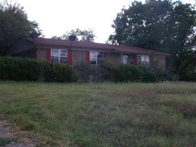 522 E PIERSON ST, HAMILTON, TX 76531 - Photo 1