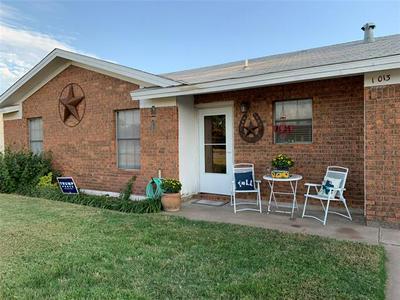 1013 NW 5TH ST, Hamlin, TX 79520 - Photo 2