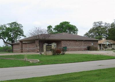 626 W MAIN ST, Fairfield, TX 75840 - Photo 2